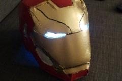 Avengers Endgame trailer remake preparazione costumi e effetti speciali casco iron man (3)