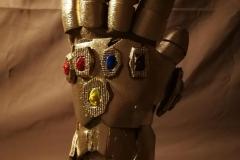 Avengers Endgame trailer remake preparazione costumi e effetti speciali guanto infinito (5)